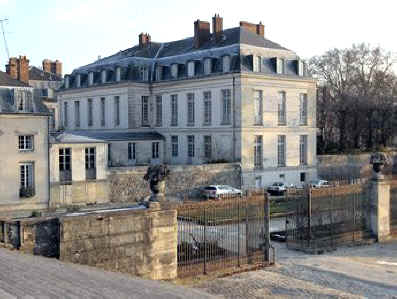 Hotel du grand controle di versailles for Costo aggiuntivo per suite suocera