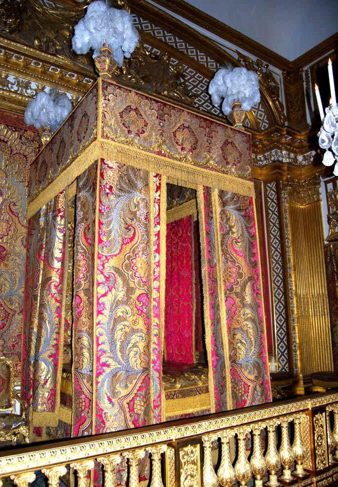 Camera da letto d 39 apparato del re sole - Letto versailles ...
